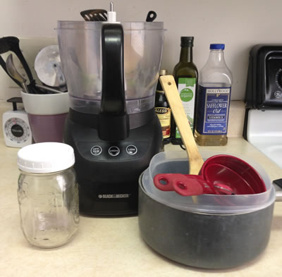 Equipment required to make Homemade Nutella